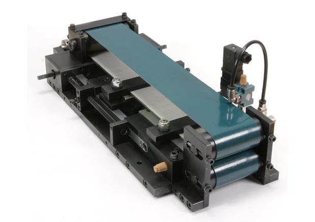 20_Pneumatisch bandaanvoer-unit met dunbandgeleiding