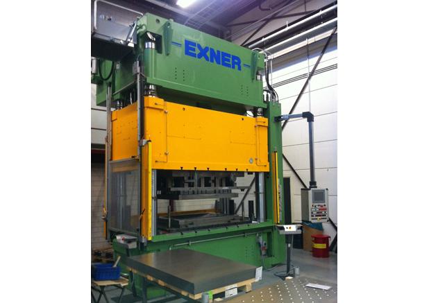 EXNER-hydraulische pers E4SP700:200