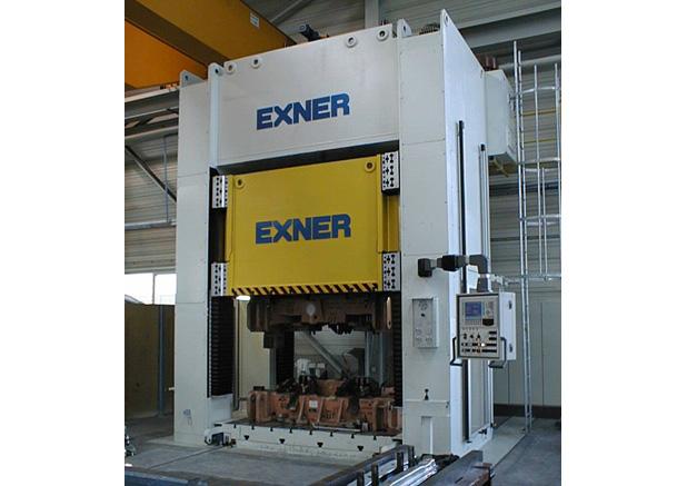 Exner 500t hydraulische pers met verwisselbare bedplaat